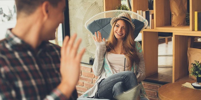 kafede kızla tanışmak