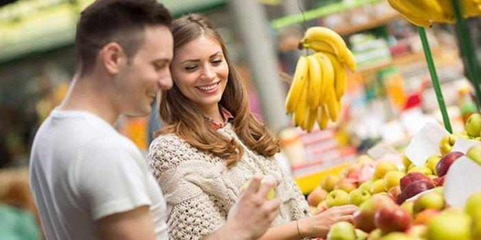 Markette kızla tanışmak