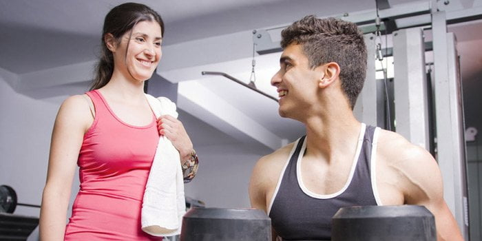 spor salonunda kızla tanışmak